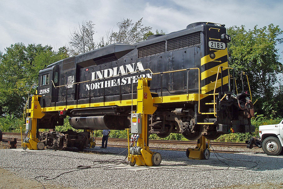 A locomotive truck is replaced on the 2185 using new locomotive jacks at South Milford.